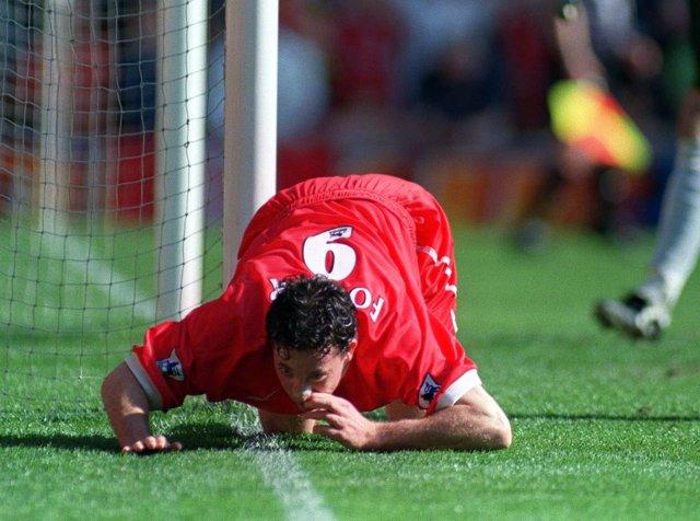 Football - Liverpool v Everton - FA Premier League 98/99 - Anfield 3/4/99 Robbi