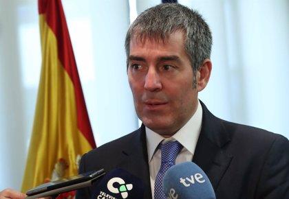 """El presidente canario cree que la OSP en vuelos a Península """"es un camino a explorar"""""""