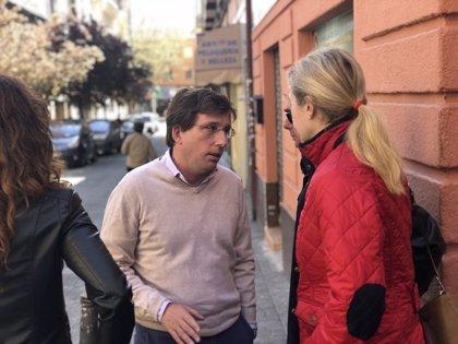 """PP lamenta que PSOE se haya """"arrastrado"""" para intentar fichar a Carmena, que les ha hecho """"la cobra"""""""
