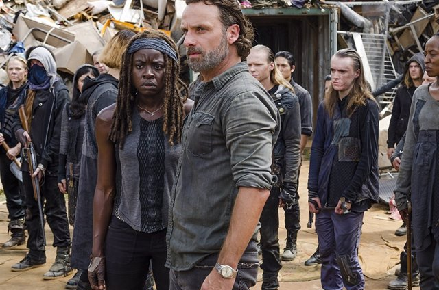 Danai Gurira y Andrew Lincoln en The Walking Dead