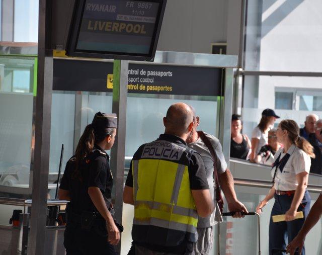 renovar pasaporte aeropuerto Adolfo Suárez Madrid Barajas