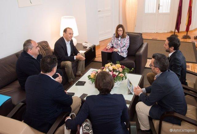 Reunión de la alcaldesa de Cartagena con los responsables de Zeta Gas