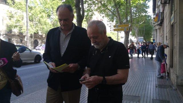 Fernando Mateas y Bartolomé Cursach, hoy al salir del Juzgado