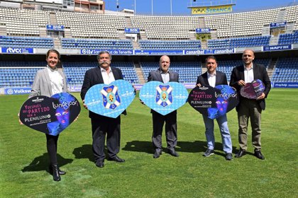 Un mosaico de 20.000 cartulinas reforzará la promoción de 'Plenilunio' en el partido Tenerife-Huesca