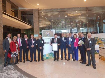 Diputación valora la importancia para la Axarquía de acreditación de la uva pasa moscatel como patrimonio mundial