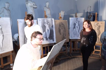 Armengol asiste a la fiesta del centenario del edificio de la Escuela de Arte y Superior de Diseño