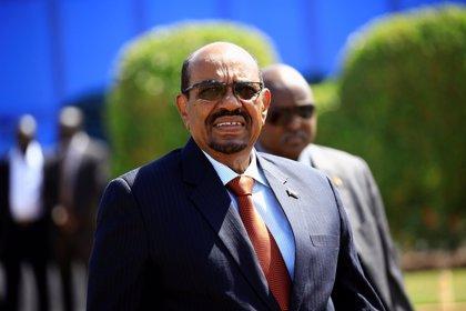 El presidente de Sudán cesa al ministro de Exteriores