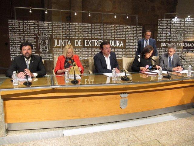 Vara firma con los agentes sociales la revisión de la estrategia industrial