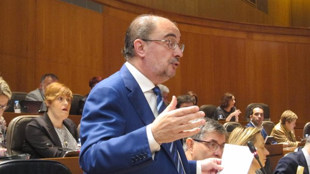 Javier Lambán en las Cortes.