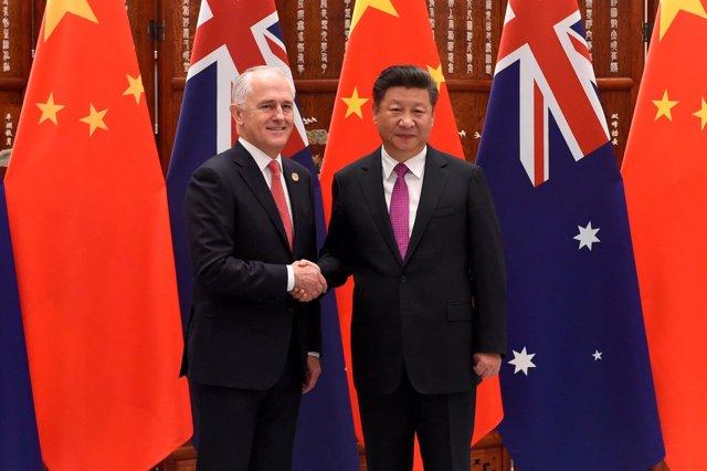 Foto de archivo de Xi Jinping y de Malcolm Turnbull.