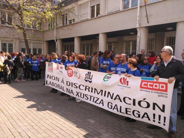 Funcionarios de justicia protesta