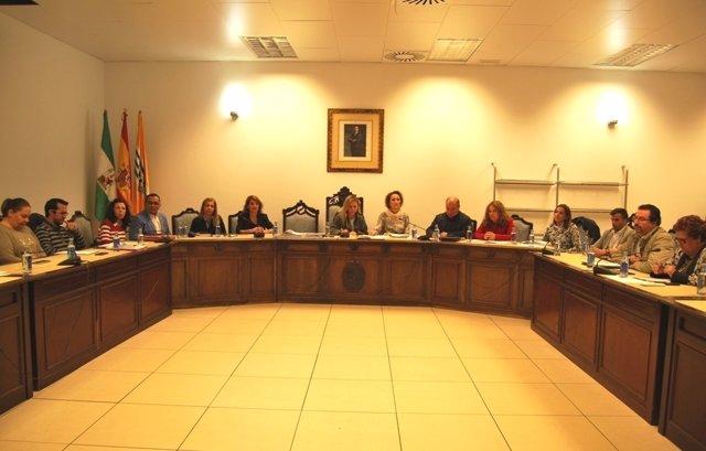 Imagen de archivo de un pleno del Ayuntamiento de Isla Cristina