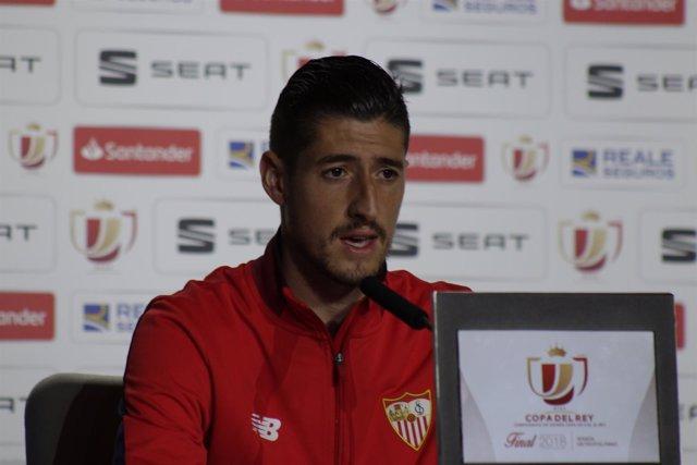 El futbolista del Sevilla Sergio Escudero