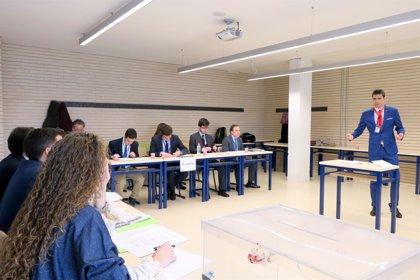 Los colegios San Cayetano y CIDE de Palma, ganadores de la III edición del proyecto 'Debate en el Aula'