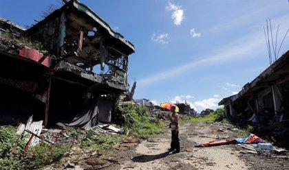 Miles de residentes retornan a una Marawi destrozada por la guerra entre la Policía y el grupo Maute