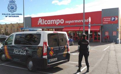 Detenidos cuatro menores y una joven de 18 años por dos robos con fuerza en un establecimiento comercial de Logroño