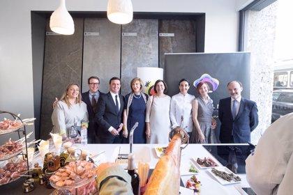 La Diputación abre el destino 'Costa de Almería' y la marca 'SaboresAlmería' al mercado italiano