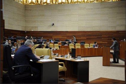 La sanidad extremeña provoca esta semana en la Asamblea el 'choque' entre Gobierno y oposición