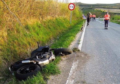 Herido grave un motorista tras sufrir una salida de vía en Viana