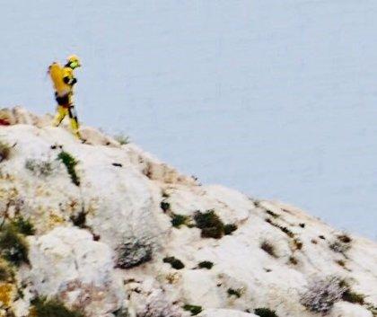Rescatado un hombre de 77 años que se había hecho un esguince mientras subía al Penyal d'Ifac en Calp (Alicante)