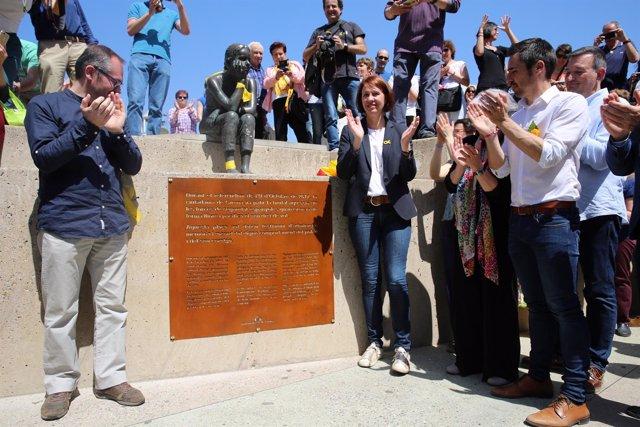 Acto de celebración del cambio de nombre de la plaza U d'Octubre de 2017