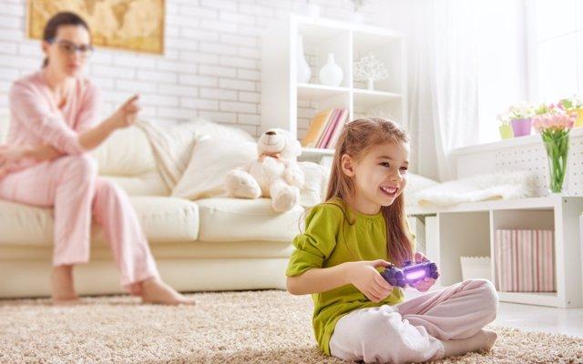 Un contrato entre padres e hijos para gestionar las horas de uso de videojuegos