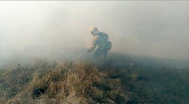 Controlado el incendio de Los Tojos, que ha arrasado 100 ha de matorral y roble