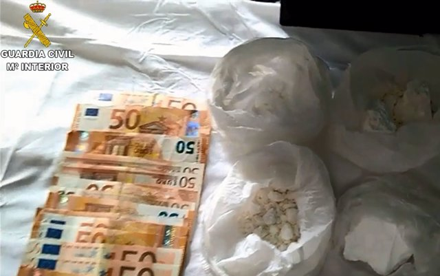 Detenidas en Santa Eulària once personas, miembros de una red de tráfico de drogas