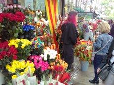 Milers de barcelonins celebren un dia de tradició esquitxat de reivindicació política (Europa Press)