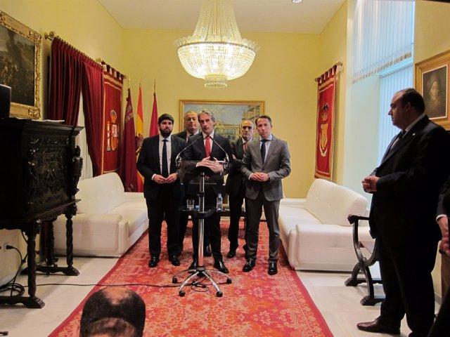 Iñigo de la Serna, con Miras, Bernabé, Gil y Valverde