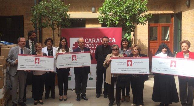 Entrega donativos Fundación Camino de la Cruz a entidades sociales