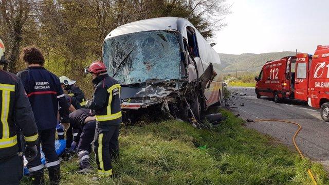 Colisión entre un autobús y un coche en Lantz