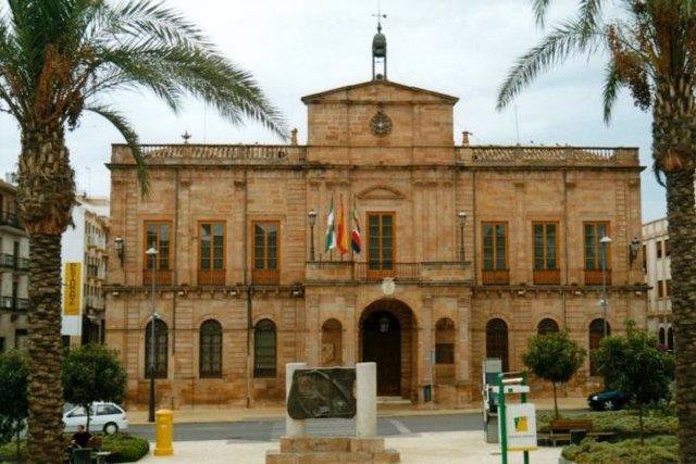 Fachada del Ayuntamiento de Linares