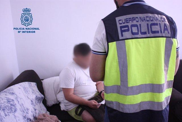 La Policía Nacional Detiene A Miembros De Un Clan Familiar Por Obligar A Una Muj