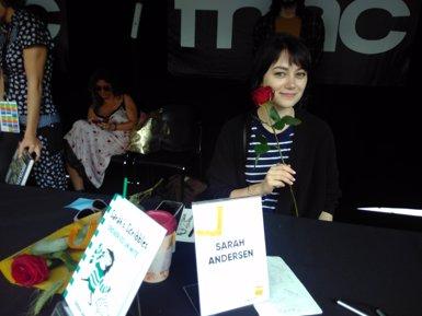 """Sarah Andersen (Sarah's Scribbles) signa en el seu primer Sant Jordi: """"És un dia increïble"""" (EUROPA PRESS)"""