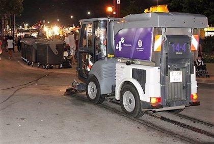 Herida una mujer de 54 años arrollada por una máquina barredora en Almería