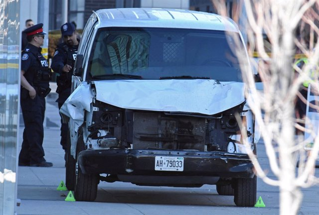 Imagen de la furgoneta del atropello múltiple de Toronto.