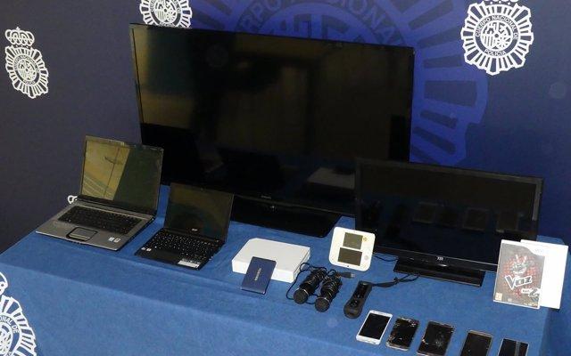 Tres detenidos, uno menor, por robar en una vivienda de Monte joyas, móviles y aparatos electrónicos