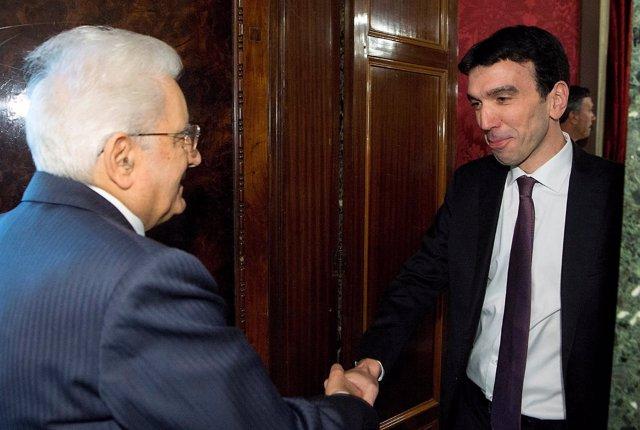 Sergio Mattarella y el secretario general del PD, Maurizio Martina