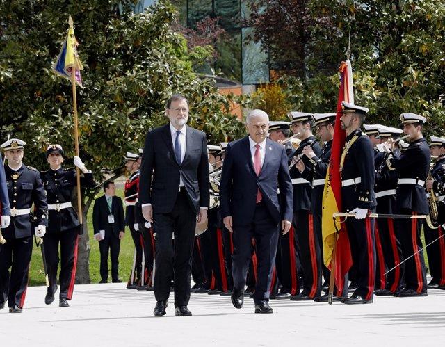 Rajoy recibe en la Moncloa al primer ministro de Turquía, Binali Yildirim