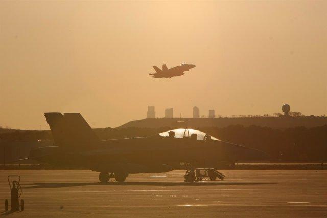 F-18 españoles despegando rumbo a Italia