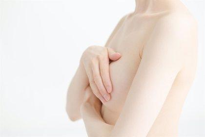 Cambios en el tejido mamario aumentan el riesgo de cáncer en las mujeres mayores