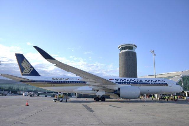 Avión de Singapore Airlines en Barcelona