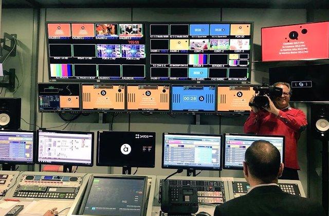 La tv d'À Punt inicia l'emissió en proves
