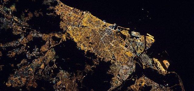 Imagen nocturna de Barcelona