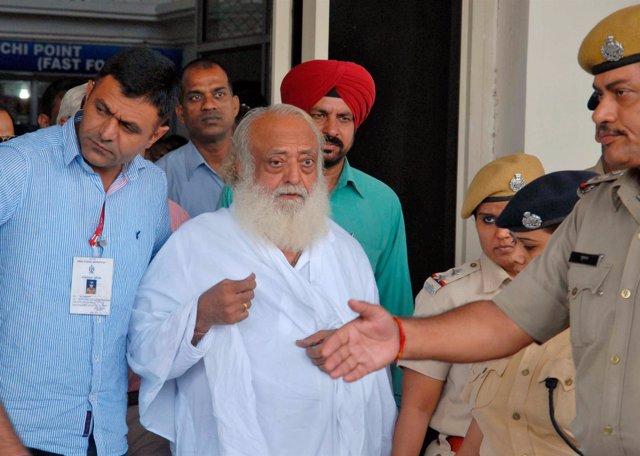 El predicador Asaram Bapu, condenado por violación en India