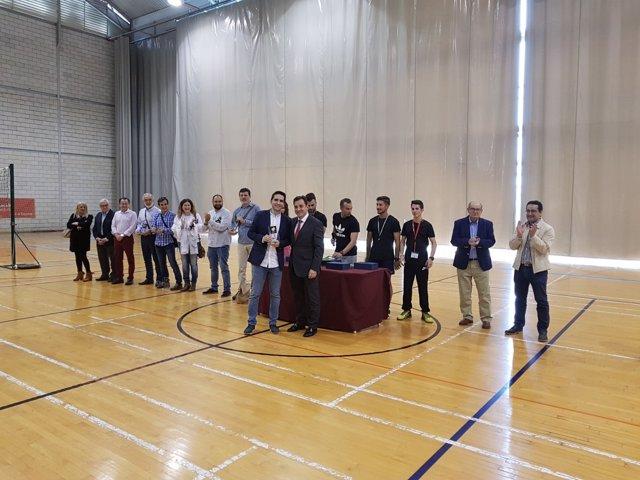 López, junto a los participantes en el encuentro