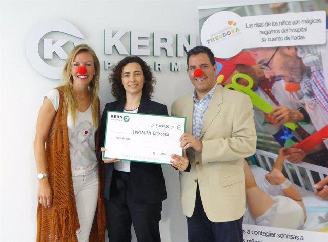 Kern Pharma dona 5.000 euros para visitas a niños ingresados