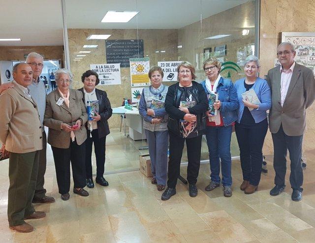Participantes en la iniciativa 'A la Salud por la lectura'