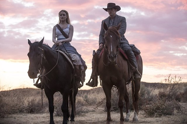 James Marsden y Evan Rachel Wood en Westworld